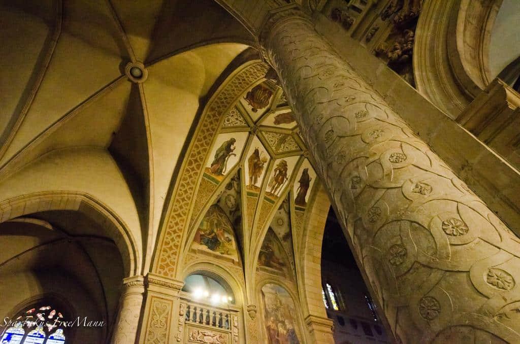 Détail du plafond, cathédrale Notre-Dame de Luxembourg. Photographie ©Spartakus FreeMann, 2012.